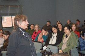 Estudiantes y docentes del Nivel Superior se forman en Investigación