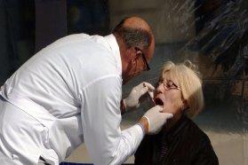 La provincia propicia la detección precoz del cáncer bucal con una actualización a profesionales odontólogos
