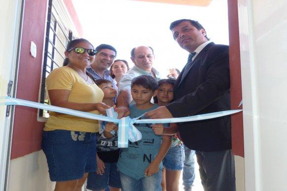 Se entregaron nuevas viviendas del IAPV a 20  familias de Urdinarrain