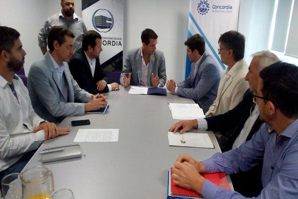 El gobierno provincial acuerda con municipios la reducción de tasas industriales