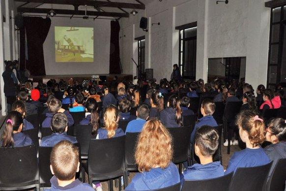 El móvil del Instituto Audiovisual recorrió 37 localidades promoviendo el cine entrerriano y argentino