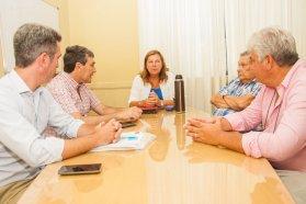 Evalúan y proyectan obras en caminos del departamento Uruguay