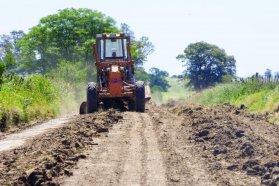 Sin receso Vialidad aprovecha el buen clima para trabajar en los caminos rurales