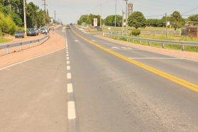 Observan obras de seguridad vial en la rotonda de acceso a Pueblo Liebig