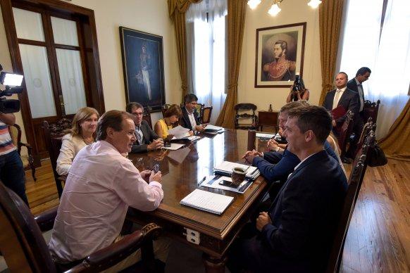 Municipios entrerrianos comienzan a acceder al crédito internacional obtenido por la provincia