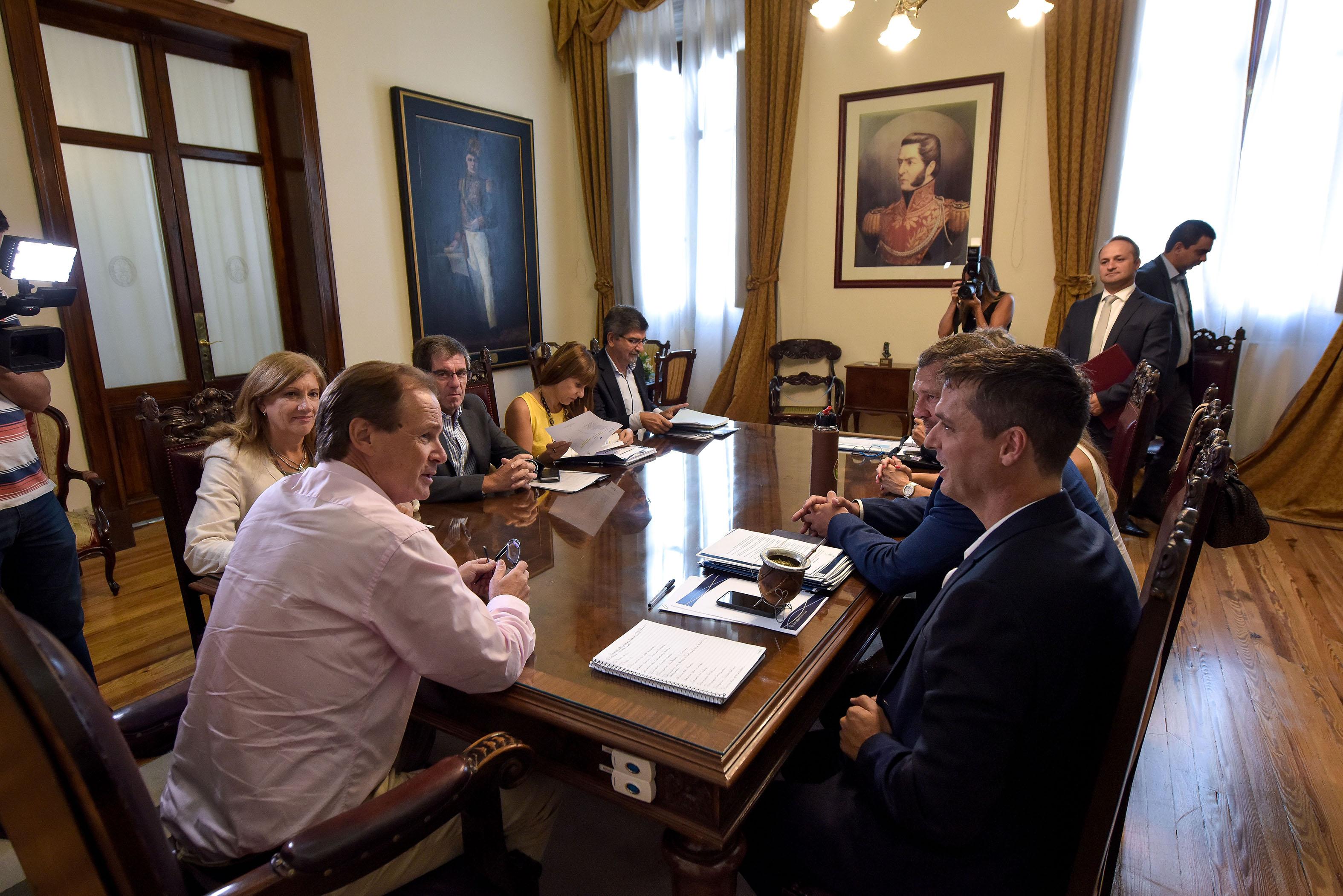 .Municipios entrerrianos comienzan a acceder al crédito internacional obtenido por la provincia.