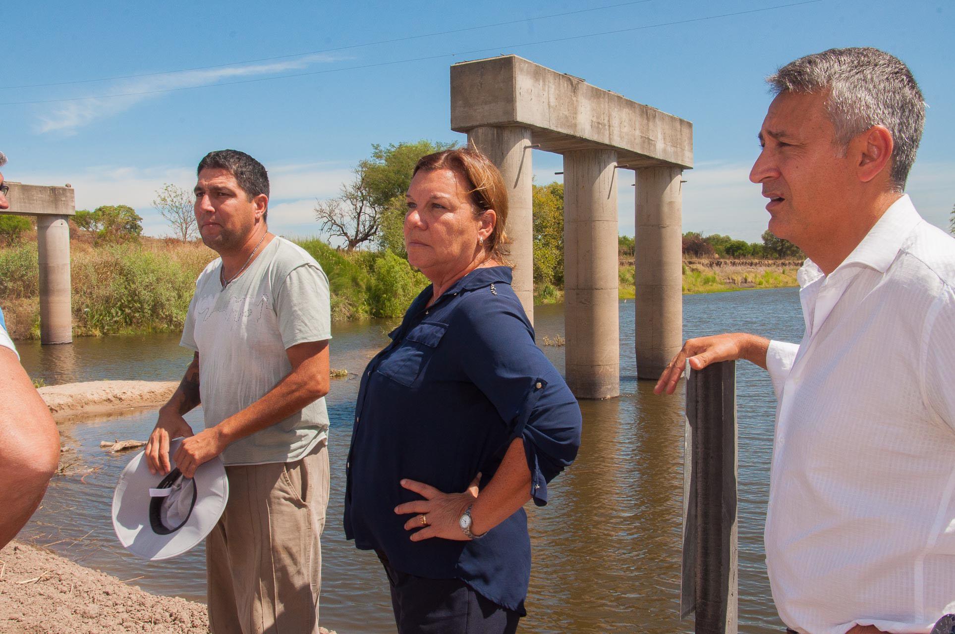 .Habilitaron un paso alternativo sobre el arroyo Hernandarias.