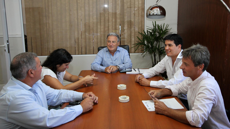 .Avanzan nuevos proyectos de agua y saneamiento e infraestructura básica para el departamento Islas del Ibicuy.