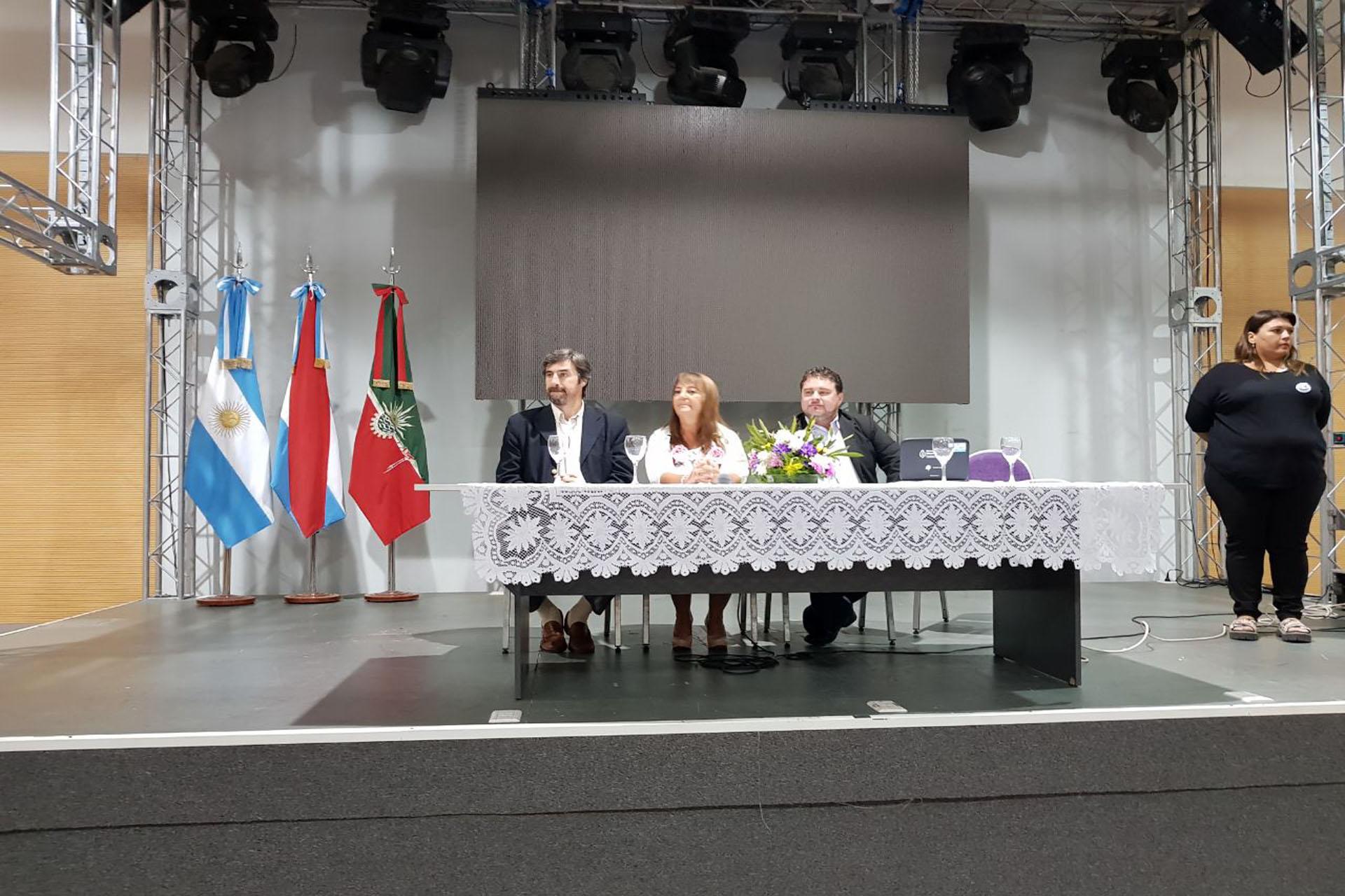 .Las Jornadas Regionales de Educación convocaron a más de 1.500 docentes en Concordia.