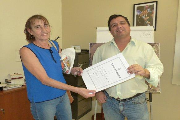 La provincia entregará escrituras de sus viviendas a un centenar de familias de Paraná