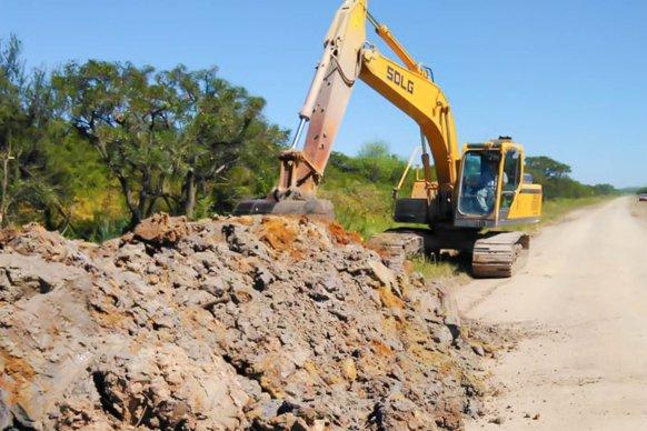 Vialidad continúa con la consolidación de caminos secundarios en Islas del Ibicuy