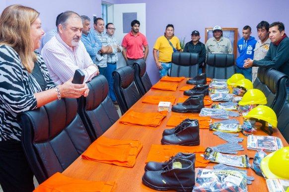 Se entregaron elementos de seguridad a empleados viales