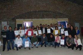 La provincia entregó escrituras a familias de Ramírez