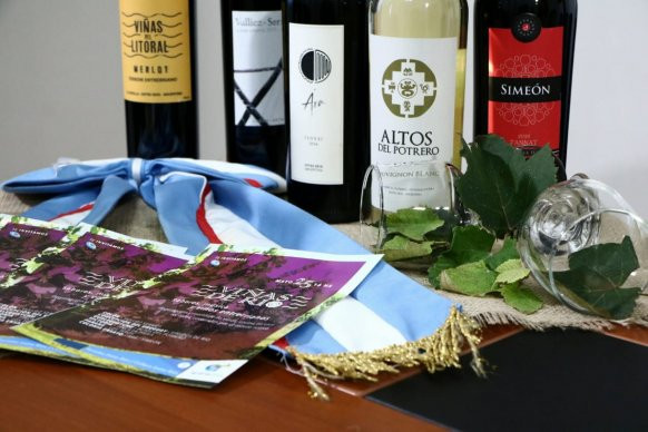 Se presentó Viñas de Río sabores, música y vinos entrerrianos para el 25 de Mayo