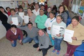 La provincia entregó escrituras en cuatro localidades del departamento La Paz