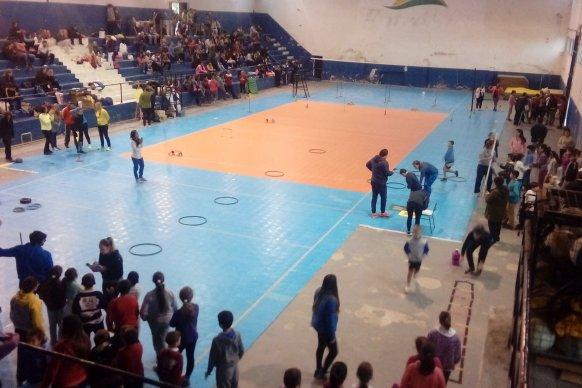 Se realizó una Jornada sobre Mini atletismo en el Parque Escolar Enrique Berduc