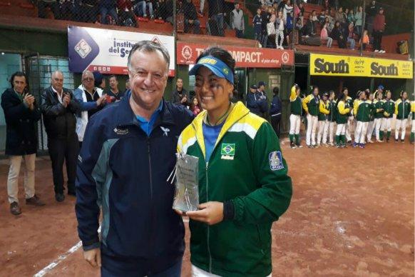 El gobierno provincial presente en el cierre del Sudamericano Sub 18 de softbol