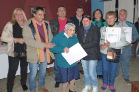 El gobierno provincial entregó escrituras de viviendas sociales a familias de Nogoyá