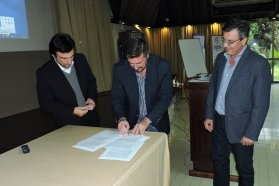 Ambiente y el Colegio de Ingenieros Especialistas firmaron un convenio de cooperación, consultoría y asesoramiento