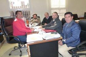 La provincia rubricó contrato para ejecutar viviendas en San Gustavo con fondos propios