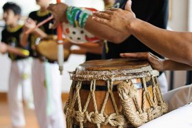Taller gratuito de música afro en Ingeniero Sajaroff