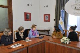 El gobierno entregó un subsidio para refaccionar un hogar de ancianas de Paraná