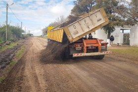 Consolidaron con asfalto reciclado el acceso a la Escuela Agrotécnica de Basavilbaso