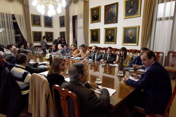 Bordet repasó con su gabinete las obras en marcha en la provincia