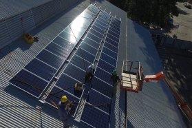 Instalarán paneles fotovoltaicos en escuelas rurales y organismos públicos