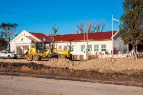 Destacan los trabajos de conservación en el acceso a la escuela Nº 91 de Don Cristóbal 2º de Nogoyá