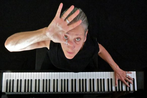 La cantante y pianista Liliana Felipe se presentará en La Vieja Usina en el marco de Teatro x Identidad