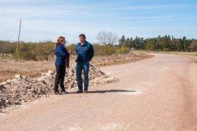Vialidad trabaja en la consolidación del acceso a El Chañar, cerca de Tabossi