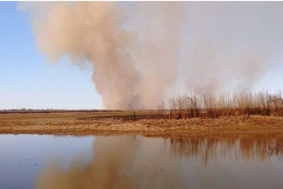 Entre Ríos colaboró con Santa Fe para atender el incendio detectado en cercanías a la ruta168