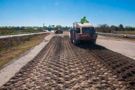 Rehabilitan un tramo de la ruta provincial N°26, entre Victoria y Nogoyá