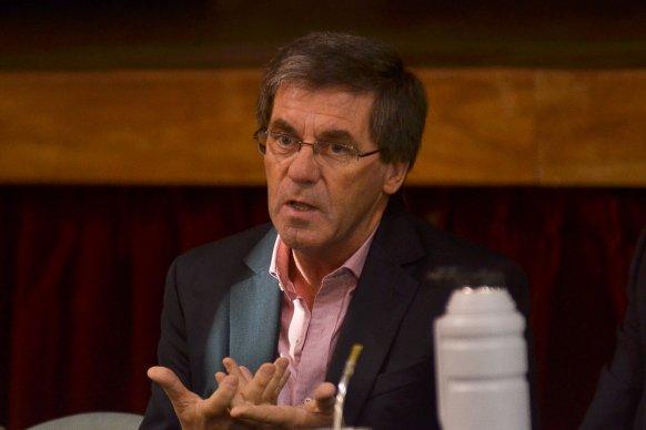 Ballay explicó que el objetivo central es defender el 82 por ciento móvil