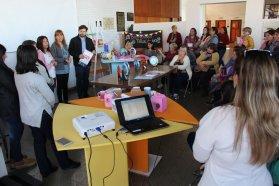 Estudiantes de centros laborales de jóvenes y adultos realizaron un taller de diseño y color de objetos de vidrio en CGE