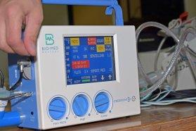 Capacitan a equipos de salud en el uso de respiradores artificiales