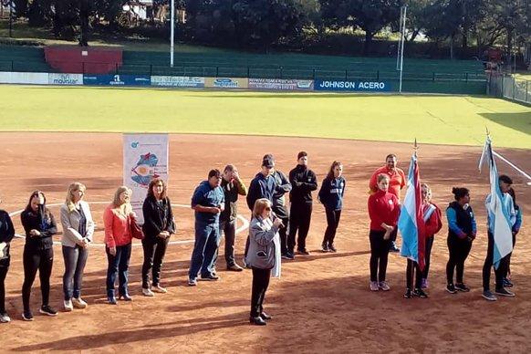 Más de 800 estudiantes participaron del interescolar provincial de sóftbol en Paraná