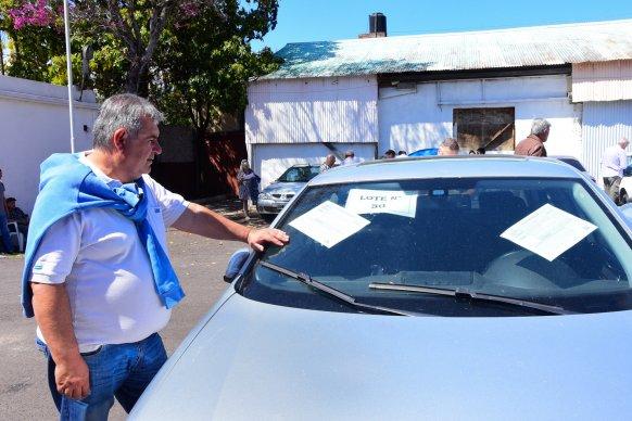 Se subastaron autos oficiales en desuso
