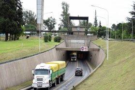 Más de 58.000 vehículos transitaron por el Túnel Subfluvial durante el fin de semana largo
