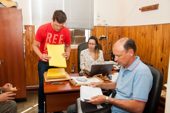 Se conocieron las ofertas de la licitación para obras viales en el departamento Colón