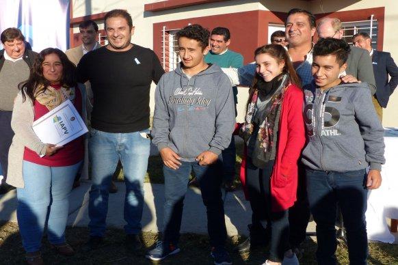 El gobierno sorteará viviendas para docentes técnicos en Seguí