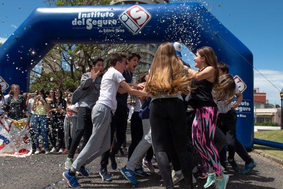 Estudiantes de Paraná ganaron importantes premios en el concurso Conducí tu Curso