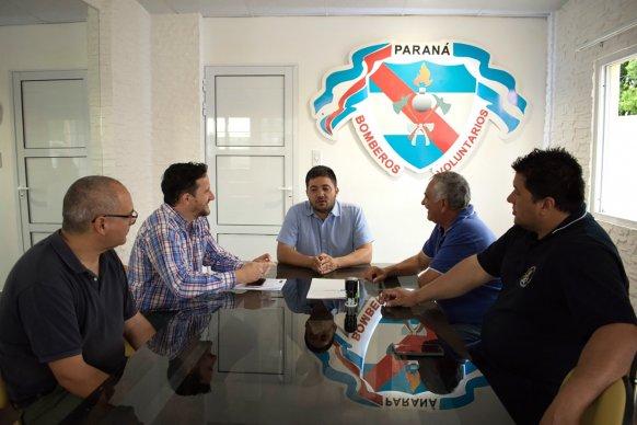 Ambiente entregó aportes a bomberos voluntarios del departamento Paraná por más de 300 mil pesos