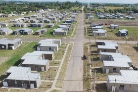 En los próximos días, 300 familias paranaenses contarán con su casa propia