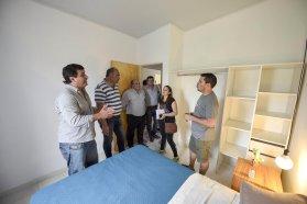 Vecinos de las 250 viviendas de San Benito se reunieron con funcionarios de IAPV
