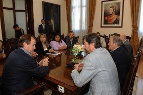 Bordet analizó el Presupuesto 2019 con senadores justicialistas