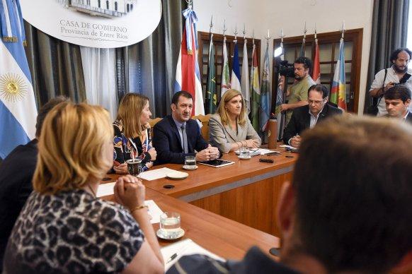 La provincia acordó con los movimientos sociales estrategias para fortalecer la economía popular