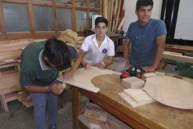 Estudiantes de escuelas técnicas  se capacitaron en producción de sillas posturales y bipedestadores