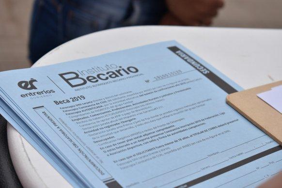 Distribuirán formularios de becas en San Salvador y Villaguay